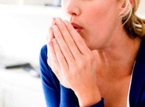Першение в горле после еды