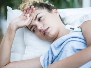 Температура, озноб, сухость во рту, головная боль, сонливость