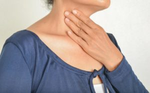 Боль в горле и грудной клетке