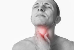 Длительный горловой кашель, кхеканье