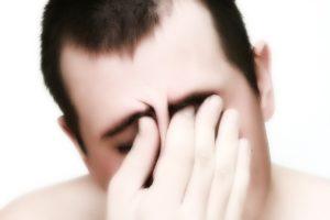 Головные боли и покраснения глаз