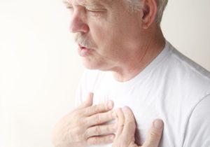 Тяжело дышать на боку