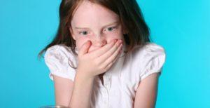 Рвотные позывы и рвота у ребенка