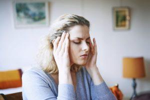 Депрессия, перепады настроения, бессоница, непроходящие головные боли
